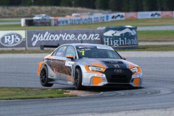 Audi V10 at Highlands Park - Photo by Geoff Ridder